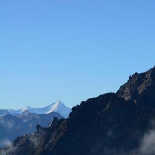 Petit Clocher du Portalet - Was für ein Berg! Der Petit Clocher du Portalet schält sich aus dem Morgennebel.