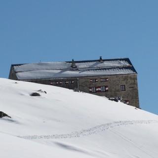 Die Neue Prager Hütte hat im Winter vom 16.03.-21.04.2019 geöffnet, Foto: Wilfried Studer