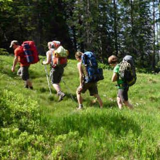 Auszubildende auf einer Bergtour, Jubiarchiv
